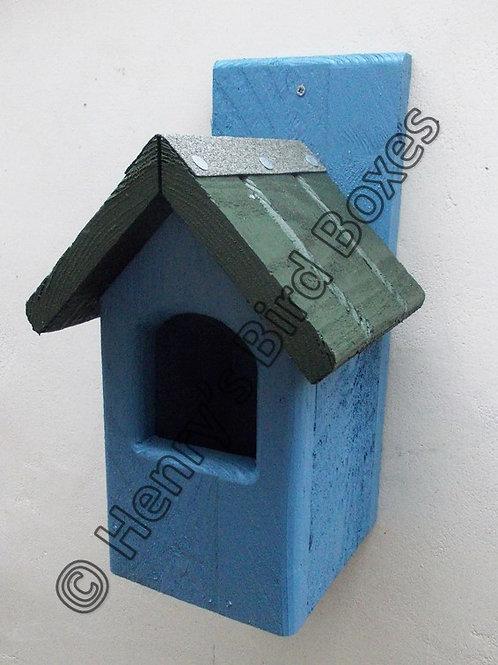 'Classic Robin' Bird Box - Coloured Version