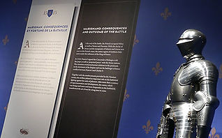 Musée de l'Armée. Exposition Chevaliers et bombardes. Impression de décors muraux et cartels.