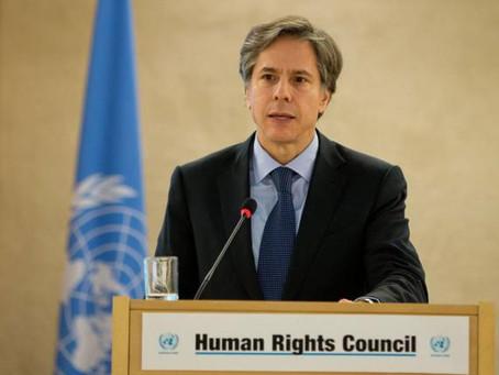 Antony Blinken, francaparolanto kiu reprenos la kondukilojn de usona diplomatio