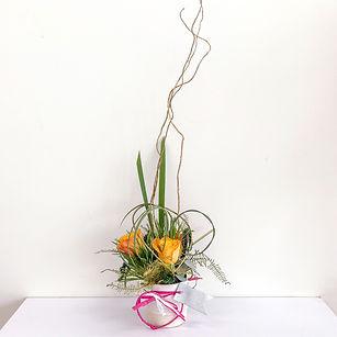 Radiance. Mini ikebana Japanese floral art
