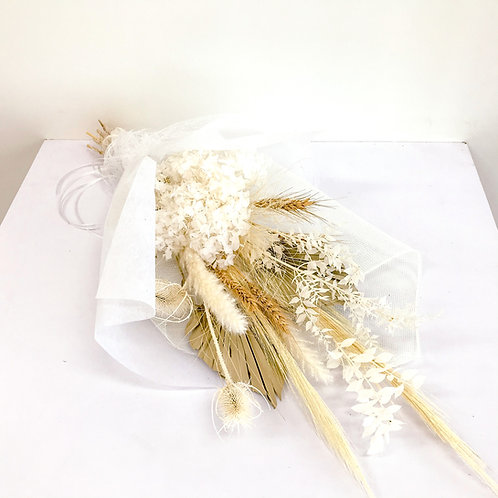 Gentle love - dried flowers