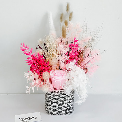 Bright pink pot - dried flowers