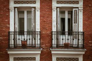 Un balcón y una pandemia