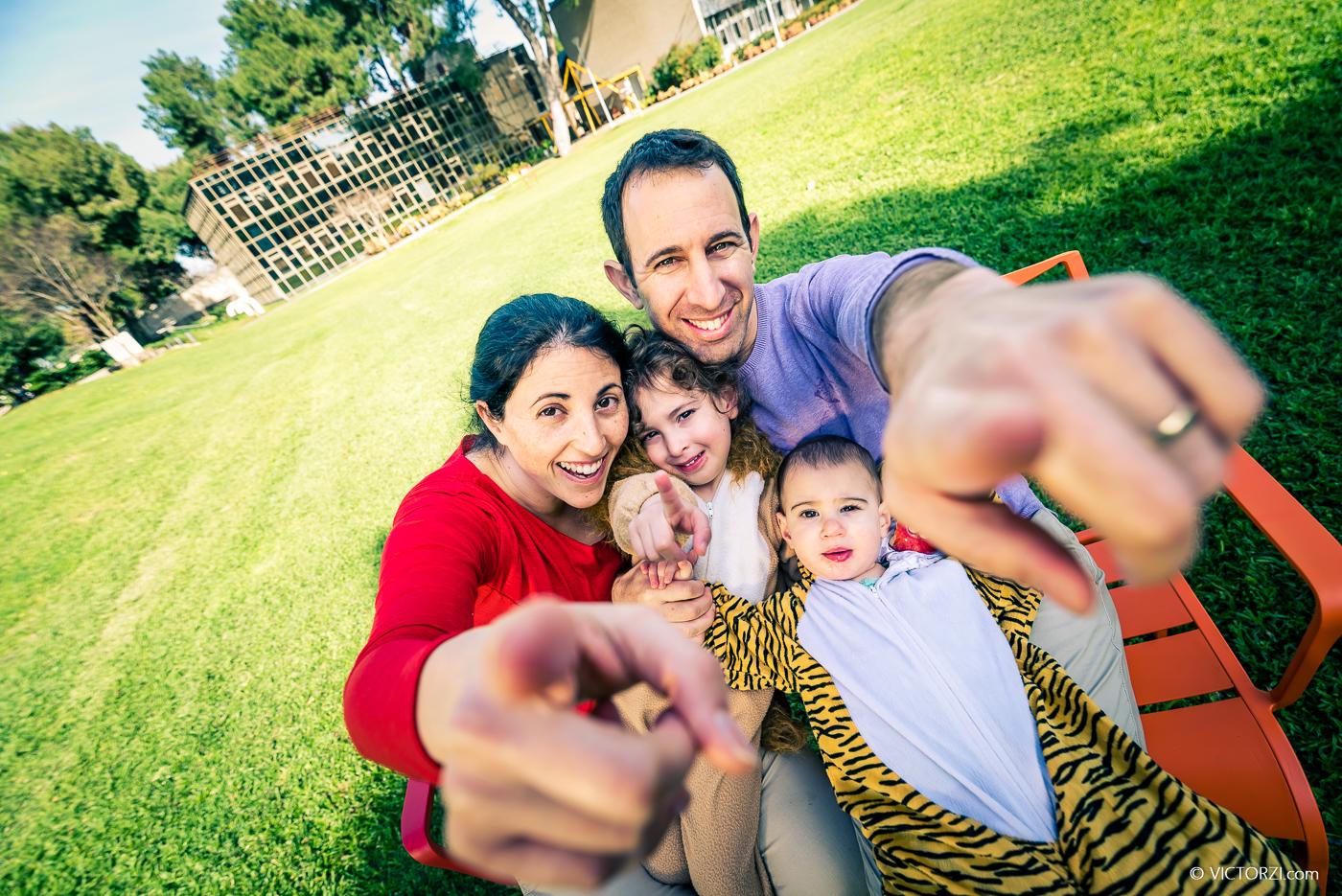 צילומים בפורים עם משפחה אשל המקסימה