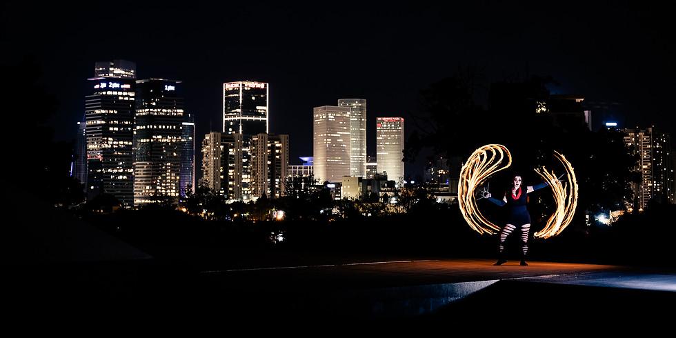 סדנת צילום רקדנית אש וציור באור