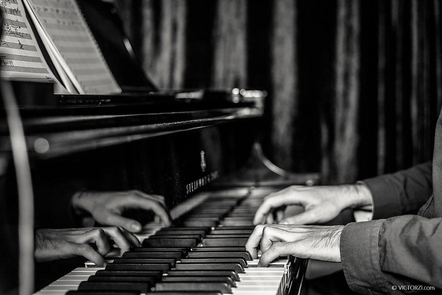 Play You Piano Man