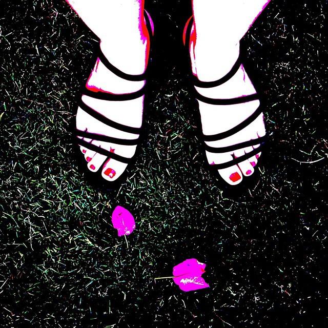 #bodrum #bougainvillea #sandals