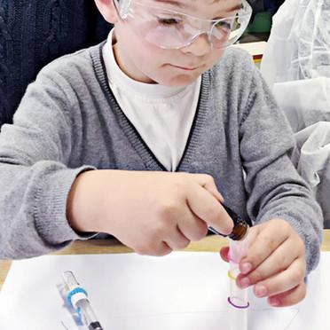 Atelier de création de parfums pour les petits nez de 6-11 ans