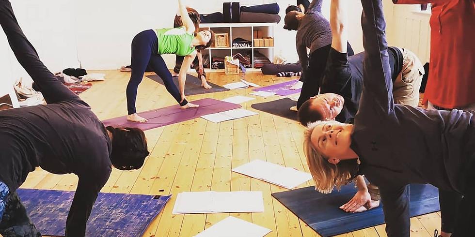 Brighton Yoga Teacher Training (200hr) Weekends