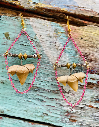 Tiburon Rosa Earrings