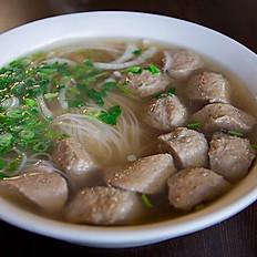 P8. Beef Noodle Soup with Vietnamese Meatballs (Phở Bò Viên)