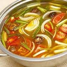 HP2. Sweet & Sour Fish or Shrimp Hot Pot (Lẩu Cá hay Tôm Chua)