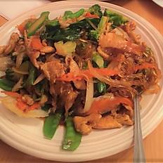 K1. Clear Noodle Stir Fried (Hủ Tiếu Xào Thịt Bò hay Gà)