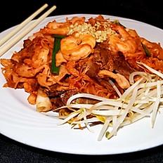 K6. Pad Thai Combination (Pad Thái Thập Cẩm)