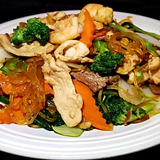 K2. Clear Noodle Stir Fried Combo (Hủ Tiếu Xào Thập Cẩm)