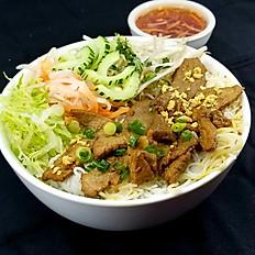 B2. Choice of Grilled Pork, Beef, or Chicken Vermicelli (Bún Thịt Nướng)