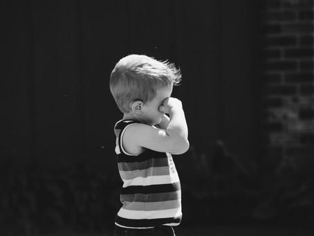 Je kind begeleiden als een dierbare overlijdt: 11 tips