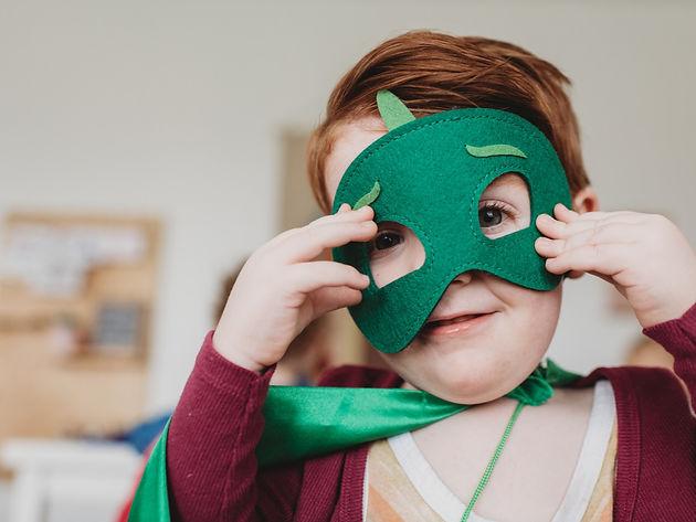 Strijd bij het aankleden van je kind | Slapen & Opstaan | WIJ.nl