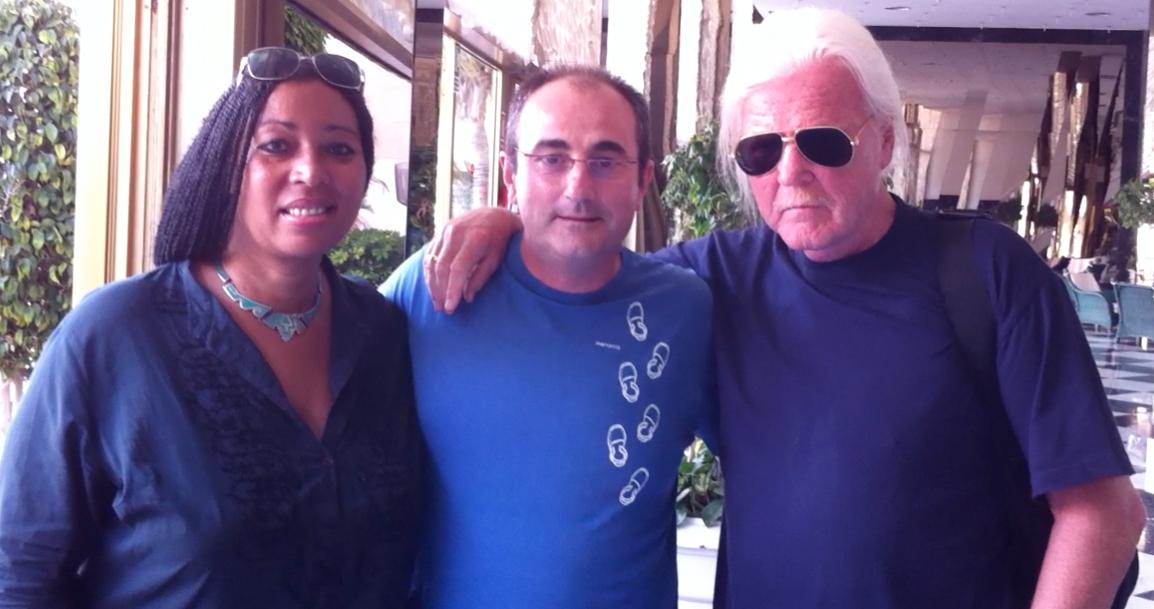 Edgar Froese de Tangerine Dream y su mujer.png