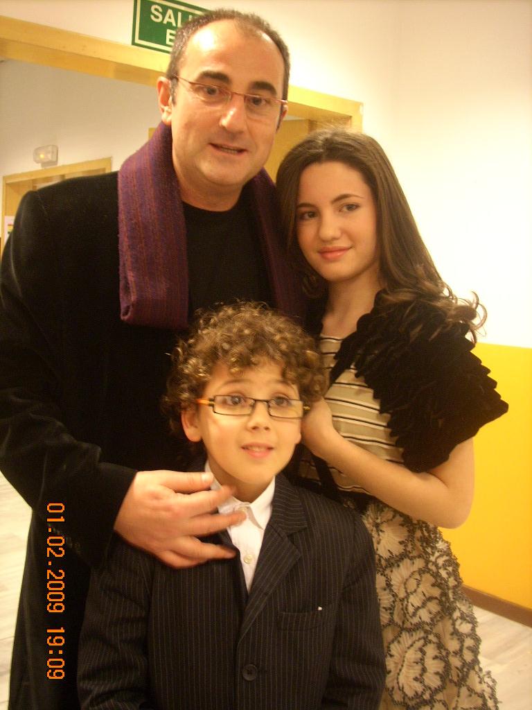Con Ivana Baquero y Roger.jpg