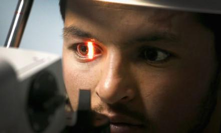 O Google agora consegue saber se você tem doenças do coração escaneando seus olhos