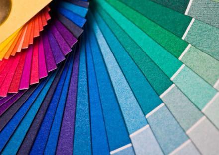 Como as cores influenciam a compra nas lojas virtuais?