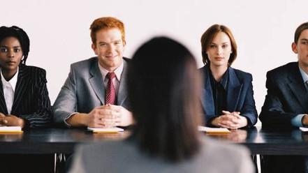 Saiba quais são as principais perguntas feitas em entrevistas de emprego e o que responder pra se sa