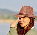 woman-with-a-hat-4001241__340.jpg