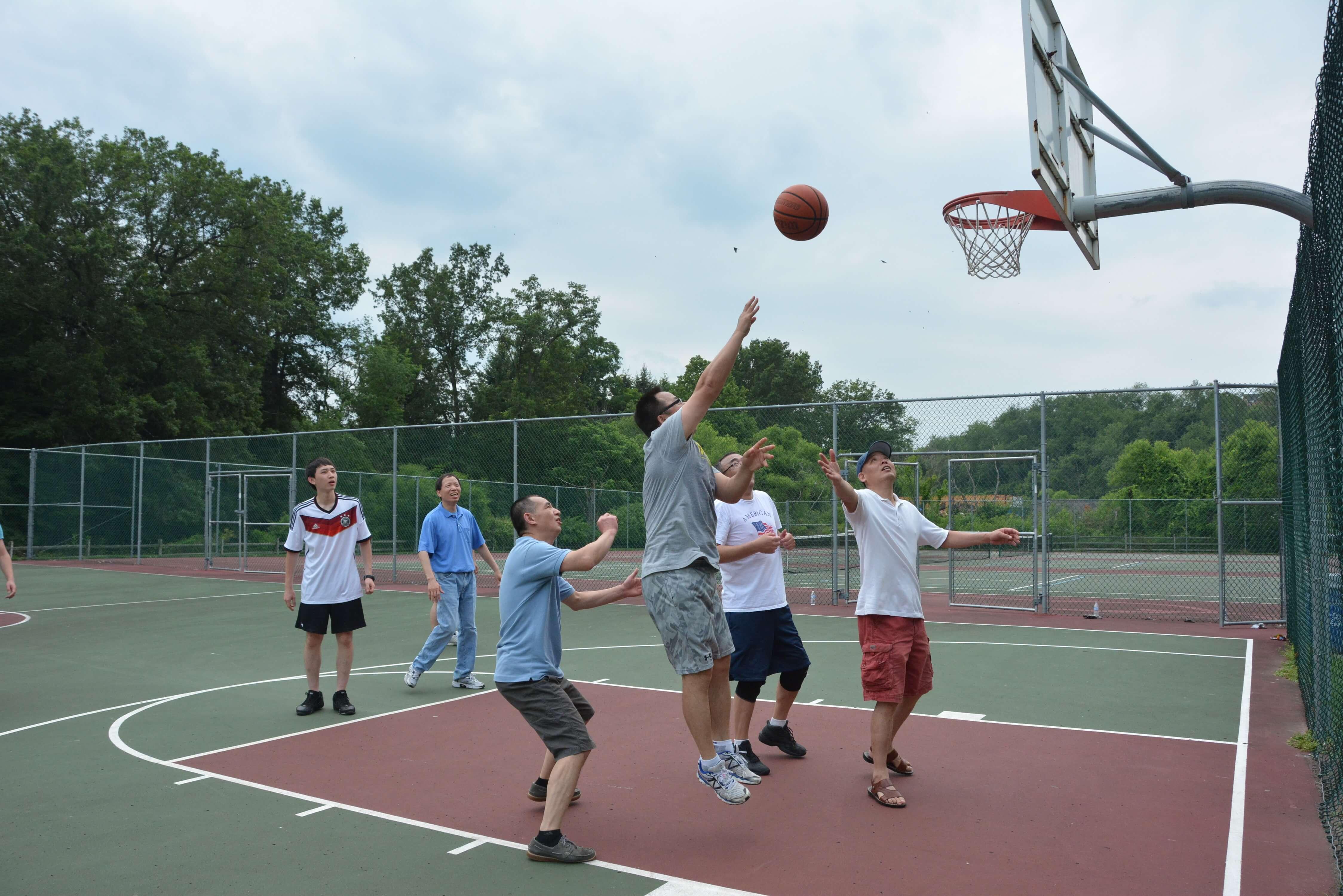 室外篮球s