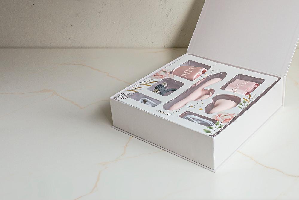 姊妹淘們送的情趣用品禮盒