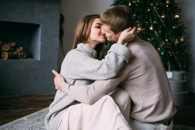 浪漫聖誕就用它!為身體交流激情助燃 共度情欲時光必備的床邊好物、聖誕禮物-情趣推薦|METIME