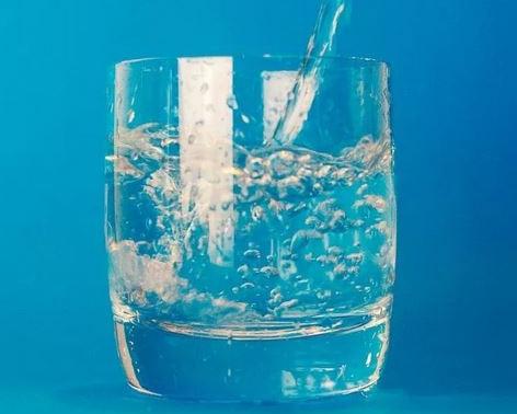 Pourquoi boire de l'eau alcaline ionisée ?