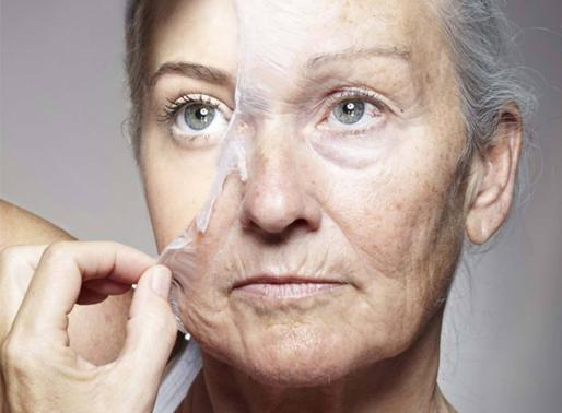 Anti-âge : voici ce qui arrive à notre peau si l'on prend de la spiruline chaque jour… L'algue bleue