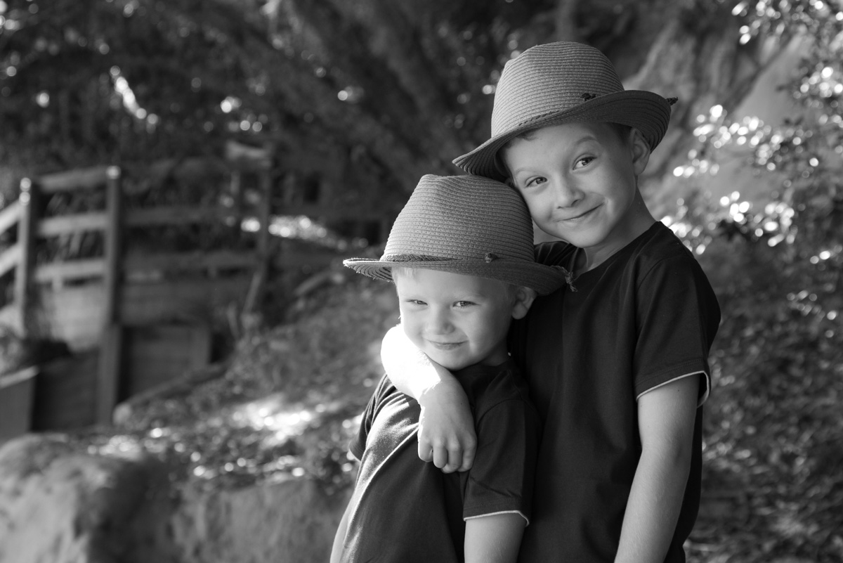 Outdoor brothers portrait
