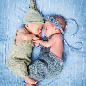 Raising twins: dos and don'ts. Take it from a twin!