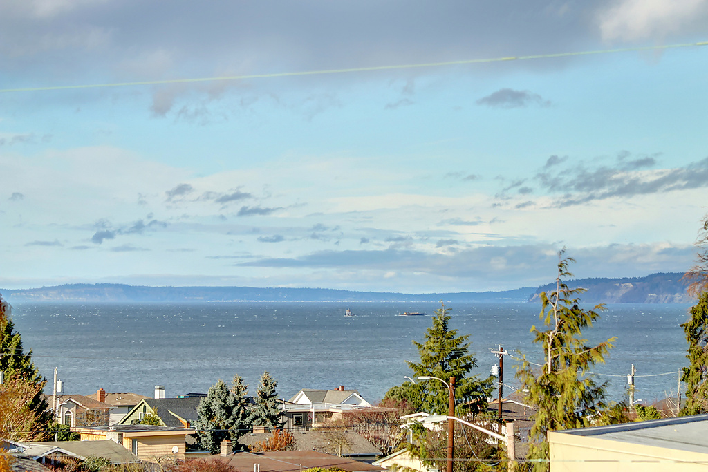 Edmonds Bowl View Condo: SOLD