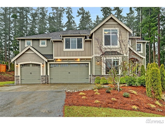 Mukilteo Home next to Green Belt
