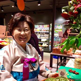Kimchi Mama in OISOI St Paul's Store 2015