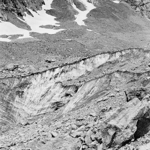lucas_zambon_glacier_2.jpg