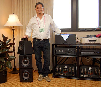 OCD HiFi Guy Mike Powell at Rocky Mountain 2010, with High Emotion Audio, Atma-Sphere, and VTL