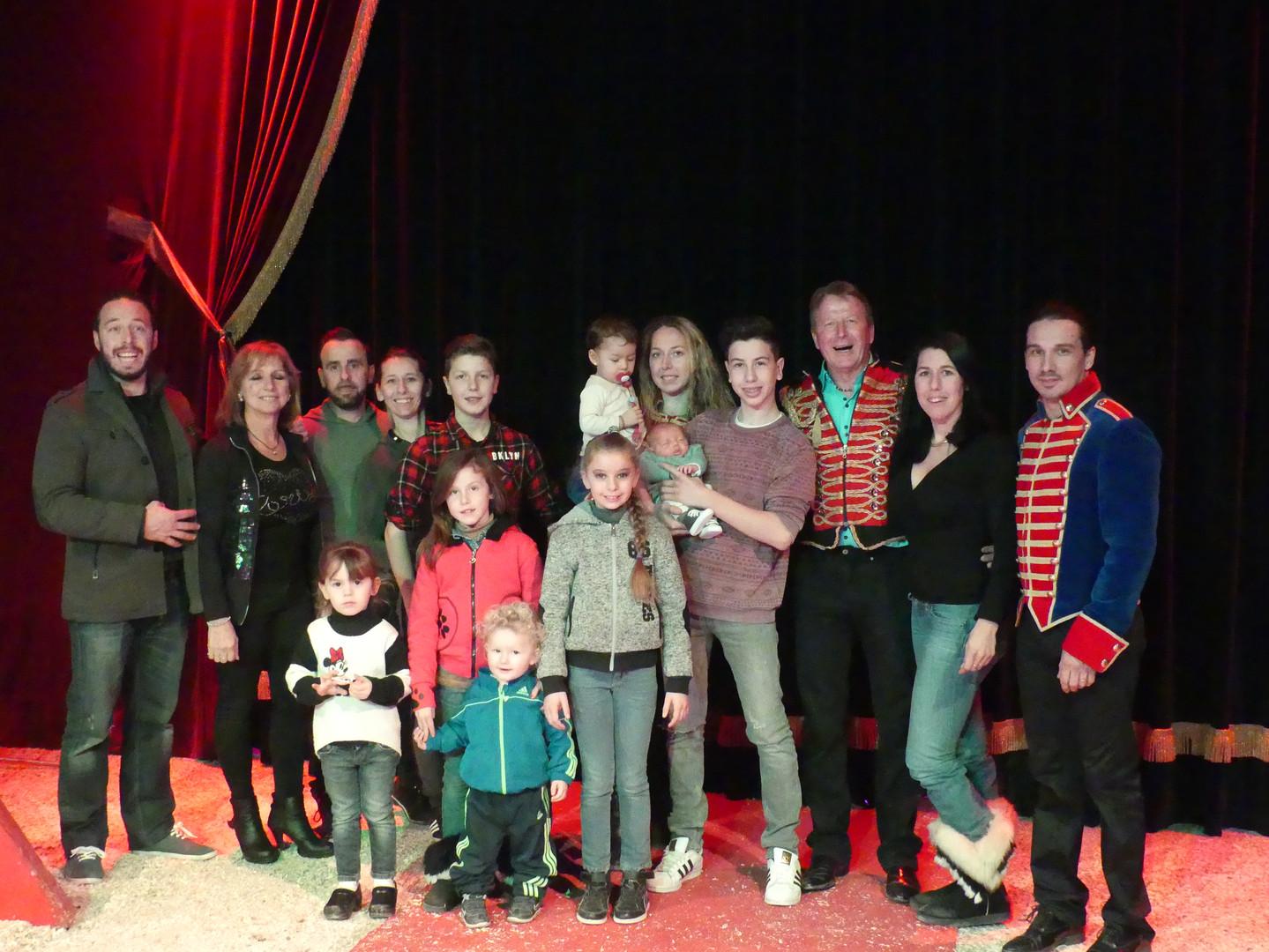 La famille du cirque saltobanco