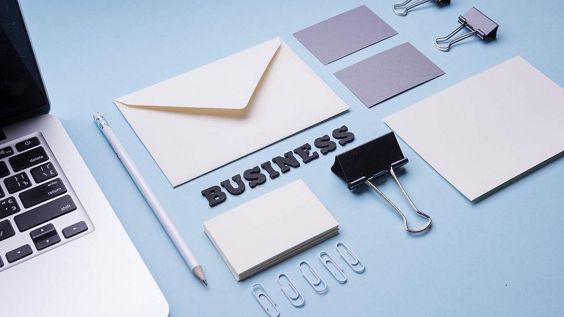 تصميم هوية الشركات والمواقع.jpg