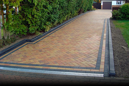 Chevron-paved-driveway-designs-with-nice