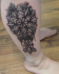 Brushstroke sketchy Mandala Tattoo Hanny