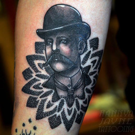 Gentleman mandala tattoo Hannya Jayne