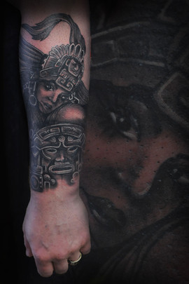 Aztec-sexy-lady-tattoo-Hannya-Jayne-Cust