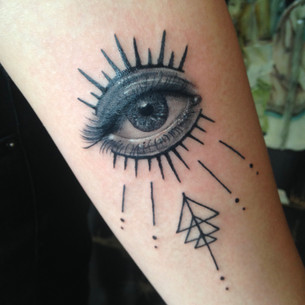 Geometric eye tattoo Hannya Jayne