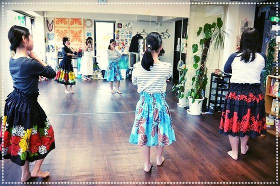 子供フラクラスのダンス練習風景
