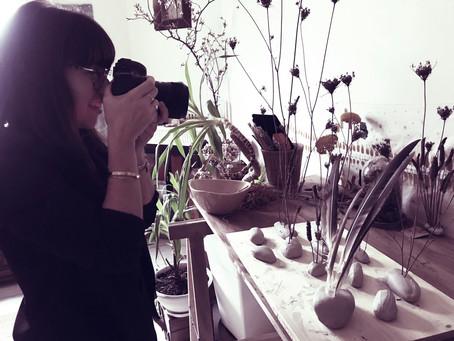 Pauline Maroussia & sont doux regard à l'atelier...