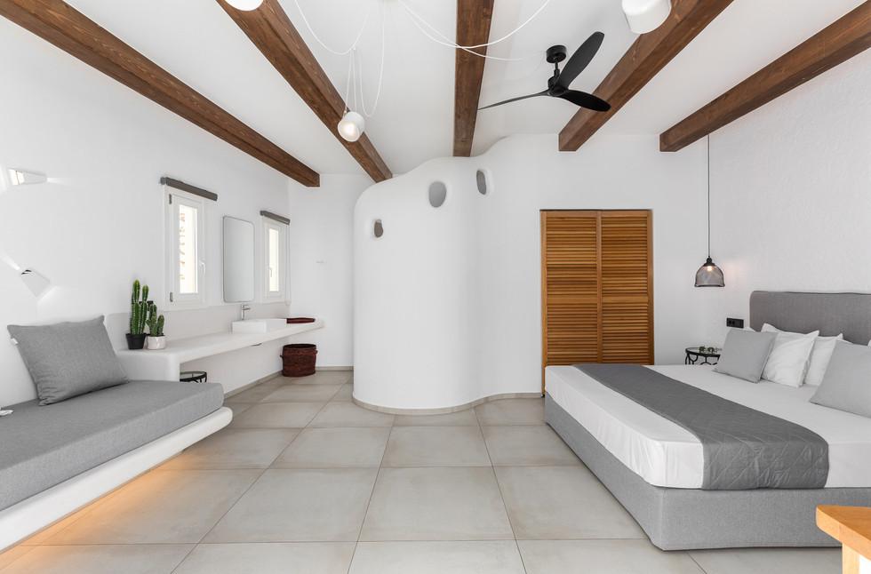 Corfos_Room_Zeus --7.jpg